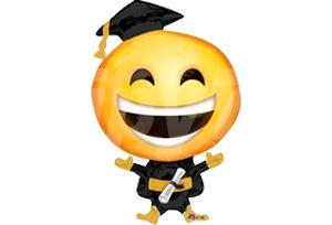 開懷大笑畢業生