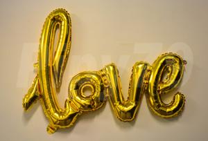 金色LOVE英文字組